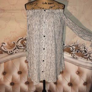 Lulu's Dresses - NWOT- Lulu's Off Shoulder Festival Mini Dress